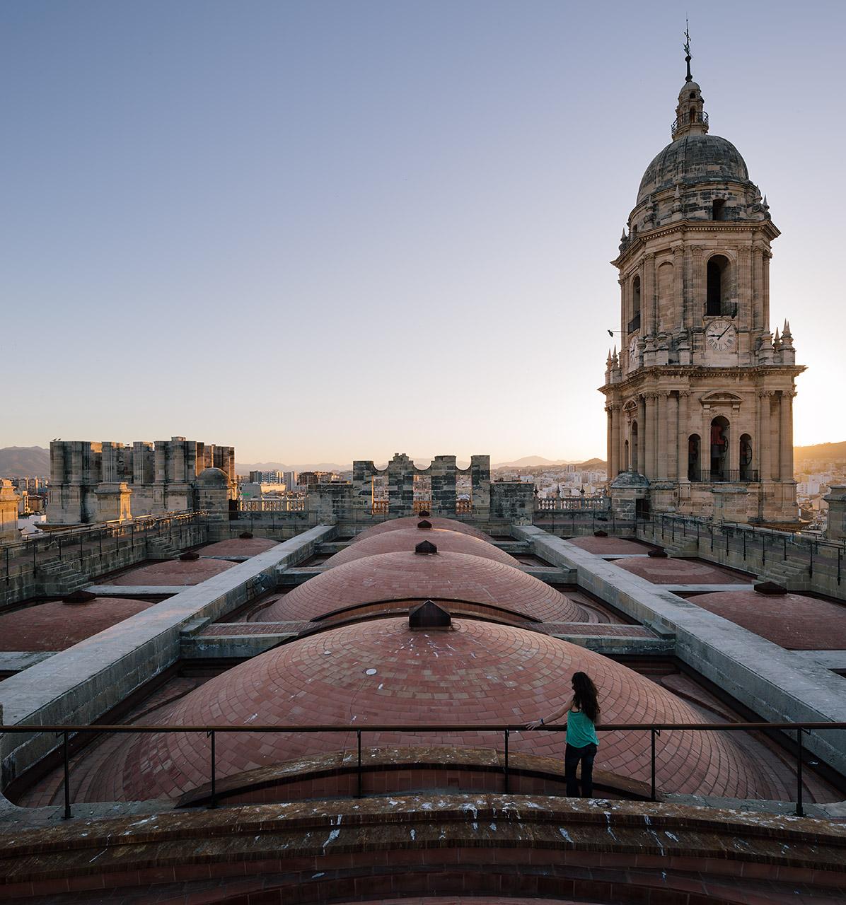 Catedral De Malaga A Hombros De Gigantes Marinauno